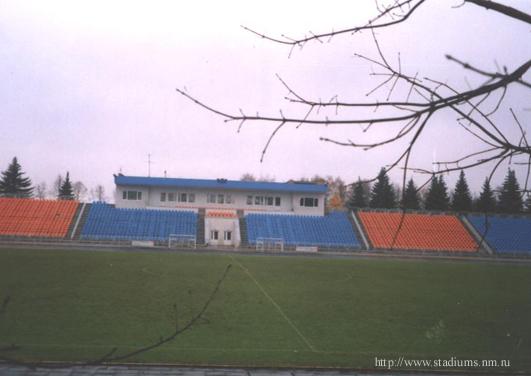 Стадион Октябрь - панорама поля и трибуны